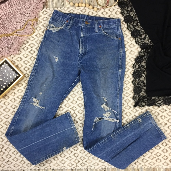 Wrangler Denim - Wrangler Vintage Distressed High Rise Mom Jeans -9
